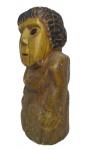 Escultura em madeira pintada, Mineira, medindo: 35 cm alt.