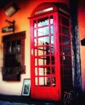 Espetacular, rara e nunca visto em leilão Réplica perfeita de Cabine telefônica INGLESA com aparelho de telefone publico com as fichas, medindo: 2,40 m alt.  (FUNCIONANDO)