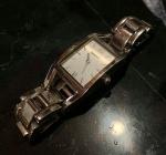 Belo relógio feminino DKNY, não testado. Sem garantia.