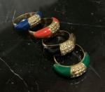 Bijuteria - 04 anéis femininos, aro 18, modelos iguais, mudando apenas as cores.