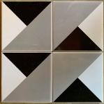Athos Bulcão - Conjunto de azulejos da déc. de 50. Designe Athos Bulcão. Med. 15.3x15.3cm, cada. Med. total: 30.05x30.05cm. Vendido na categoria Atribuído.