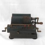 Máquina de Calcular manual marca WALTHER -  Funcionando. Calculadora