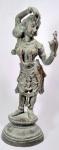 DIVINDADE (Séc XIX) - Excepcional e rara escultura tailandesa, séc XIX, em pesado bronze patinado, magnificamente cinzelada a mão. Med 50 cm.