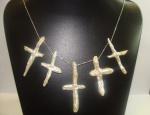 Colar Em Prata 925, Com 5 Crucifixo Em  Madre Perola, Peso: 21,1g, tamanho da corrente: 45Cm.
