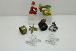 DIVERSOS - Coleção de 8 porta guardanapos, sendo 2 em demi cristal, 2 cerâmicas, 2 metal e 1 arame.