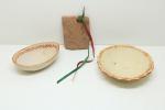 CERÂMICA - Lote de 3 itens em cerâmica diversas. Maior 3,5x15 cm e menor 10x8 cm.