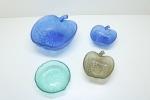 DEMI CRISTAL - Lote de grande saladeira, 2 potes para servir, ambos em formato de maçã e 1 pote para servir em formato de folha. Maior 8x21x23 cm e menor 3,5x14,5 cm.