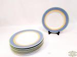 Jogo.7 pratos rasos borda azul porcelana Vista Alegre, Série Viva, Brasil.  Medida 26 cm diâmetro, 2 cm altura. 2  pratos  apresentam  pequno bicado na borda