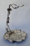 MAPPIN & WEBB - Uveira em metal espessurado a prata inglêsa em perfeito estado de conservação, marcada com nº de série, medindo 34 cm de altura por 26 cm de diâmetro.