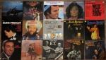 VINIL - Aproximadamente 15 discos de vinil de diversos musicais, filmes e artistas internacionais, entre eles Elvis Presley, Frank Sinatra, Diana Ross, Julio Iglesias, Oscar Peterson, disco duplo ainda lacrado do filme Hair, entre outros. Diam. vinil 30 cm.