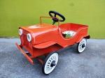 Genovesi - Lindo Brinquedo sendo Pedal Car da década de 60 da manufatura Genovesi, Item muito bem preservado pois era de estoque antigo, medindo 73x43x42 cm