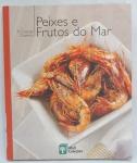 LIVRO - A GRANDE COZINHA - Peixes e frutos do mar - Livro com 178 páginas e ilustrado, capa dura.