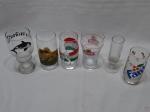 Lote de 5 copos diversos e 1 taça em vidro. Medindo o copo maior 16,5cm de altura.