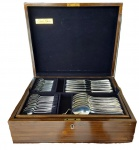 Faqueiro da marca Hércules com 130 peças metal espessurado a prata 90.