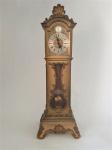 JOHMID, Vintage - Antiga miniatura de relógio de pêndulo Johmid em plástico dourado, movimento de pêndulo de 8 dias. Funcionando. Med.: 9 cm x 33 cm de altura