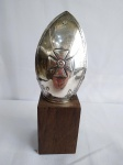 MITRA   -   Adorno papal em prata apoiado em base de madeira (não consta contraste)  mede 10 cm de altura.