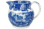 """ENOCH WOODS ENGLISH SCENERY - WOODS & SONS - ENGLAND - Belíssima Jarra para Suco, em fina porcelana inglesa, no padrão """"Blue & White, com decoração dita """"Fazendinha"""". Dimensões: 13 cm X 18 cm X 13 cm (Alt./Larg. De bico a pega/Diâm.) xx"""