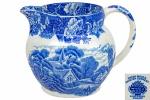 """ENOCH WOODS ENGLISH SCENERY - WOODS & SONS - ENGLAND - Belíssima Leiteira, em fina porcelana inglesa, no padrão """"Blue & White, com decoração dita """"Fazendinha"""". Dimensões: 12 cm X 15,5 cm X 13 cm (Alt./Larg. De bico a pega/Diâm.) l"""