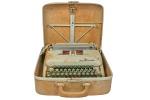 SMITH CORONA - INÍCIO SÉC. XX - Antiga Máquina de Escrever Manual de Coleção, acondicionada em Case original. Sofreu danos por água de chuva. No estado.Sem garantias futuras.