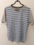 WFU, camiseta M com design inusitado, compr: 60cm / larg: 50cm