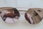 Dior, óculos espelhado com armação de metal