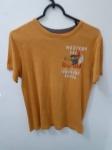 Gap Kids, camiseta mostarda L/G de algodão, compr: 56cm / larg: 42cm