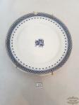 Prato Decorativo em  Porcelana Vista Alegre  Coleção Cozinha Velha Azul e Branco . Medidas 21 cm diâmetro . Apresenta Bicado na Borda .