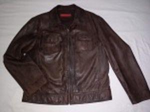 Casaco de couro marrom. etiqueta Abrams. Tamanho aproximado ao XL.