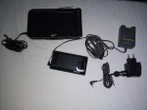 """Dois equipamentos eletrônicos: a) Monitor de TV LCD 7"""". Manufatura Midi Japan modelo MD-7440 ISDBT. Com cabo para ligação em isqueiro de automovel. 22 x 12cm. b) TV Digital manufatura GT modelo MAXTV Digital MP 4 + MP 3. Com cabos. 14 x 7,5cm. Não testadas e sem garantias de funcionamento."""