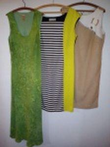Três vestidos com modelos e tecidos diversos.
