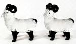 MURANO - Decorativa dupla de miniaturas de cabrito montês em murano ricas em detalhes. Medem 7 x 6,5 cm cada.