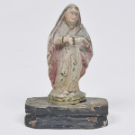 Nossa Senhora - MINIATURA - imagem em madeira policromada brasileira. Medida 9 x 6 cm.  Com base de madeira.