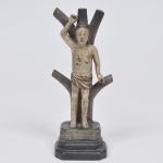 São Sebastião - imagem em madeira policromada. Brasil séc. XIX. Medida 25 x 8 x 8 cm.