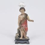 São João Batista Menino - Imagem em madeira policromada, Brasil séc. XIX No Estado. Apresenta resplendor em prata. media 26 x 11 x 8 cm.