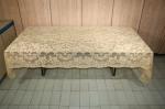 Antiga toalha de banquete em finíssima e delicada renda, medida 306 x 164 cm, acompanha 11 guardanapos, em bom estado.