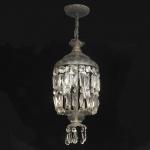 Antigo e belo lustre francês em cristal, pingentes e contas facetadas, no formato de diamantes. Medida 70 x 28 cm.