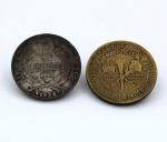 Numismática - Lote composto por 2 Moedas brasileiras, 1 moeda de Bronze-Alumínio de 1000 Réis - 1922, 1º Centenário da Independência, 1 moeda de prata 2000 Réis  1924.