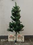 Arvore de Natal, Pinheiro, poliéster e 2 jogos de lâmpadas não testadas. Alt. 150cm.