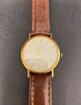 Relógio Rolex extrafino, Original Geneve, a corda, medindo 3cm de diâmetro, pulseira de couro não original