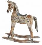 Espetacular cavalo de balanço em madeira com ricos entalhes e bela policromia. Medida 37x38cm.