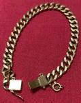 Antiga pulseira  corrente ,  em ouro 18k , fecho com pega ladrão ( necessita  reparo ) , PT 19,4 g , Medida Aberta : 18,5 cm.