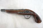 """Antiga arma decorativa réplica""""garrucha"""" em madeira e metal. Apenas para uso decorativo. Marcas do tempo ( falta o gatilho). Med.: 33 cm comp."""