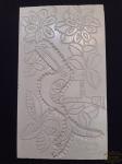 Talha em Madeira Esculpida  pintada representando passaro e flores , assinado Kennedy Bahia. Meddia 51 cm x 25 cm