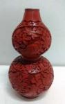 Exótico Vaso Cloisonné com aplique de resina vermelha - Mede: 16 cm
