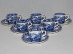 Seis xícaras e pires para café em faiança inglesa decorada em azul cobalto com florais na borda, centro aplicado com cena rural inglesa. Levemente craquelado. Marca da manufatura W.R. MIDWINTER. 5 x 11cm.
