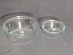 Dois ramekuin em vidro refratário translúcido, manufatura MARINEX. 10 x 21cm e 5 x 15cm.
