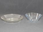 Duas peças de vidro para cozinha: Prato saladeira e forma para bolos. Diam. 27cm e 22cm.