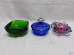 Lote de potiche cristal double, almofariz com pistilo em murano e bowl verde em cristal. Medindo a potiche: 11 ,5 cm de diâmetro x 9 cm de altura.