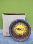 Placa Promocional da Cerveja Skol, feita em Isopor e madeira, acompanha sua caixa, medindo 38x38 cm
