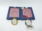 2 Relógios de Bolso em sua caixas, medindo 6,5x5 cm - Quartz, no estado